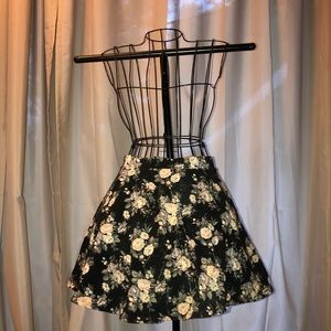 Forever 21 Black Floral Mini Skirt 💐